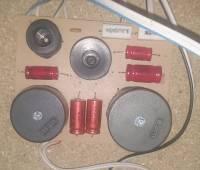 Quadral Rubin MKIII - Brak średnich tonów, różne brzmienie P i L - kondensatory?